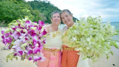 Phi Phi – Buddhist Blessing – Gwenaelle and Catherine (French + French)